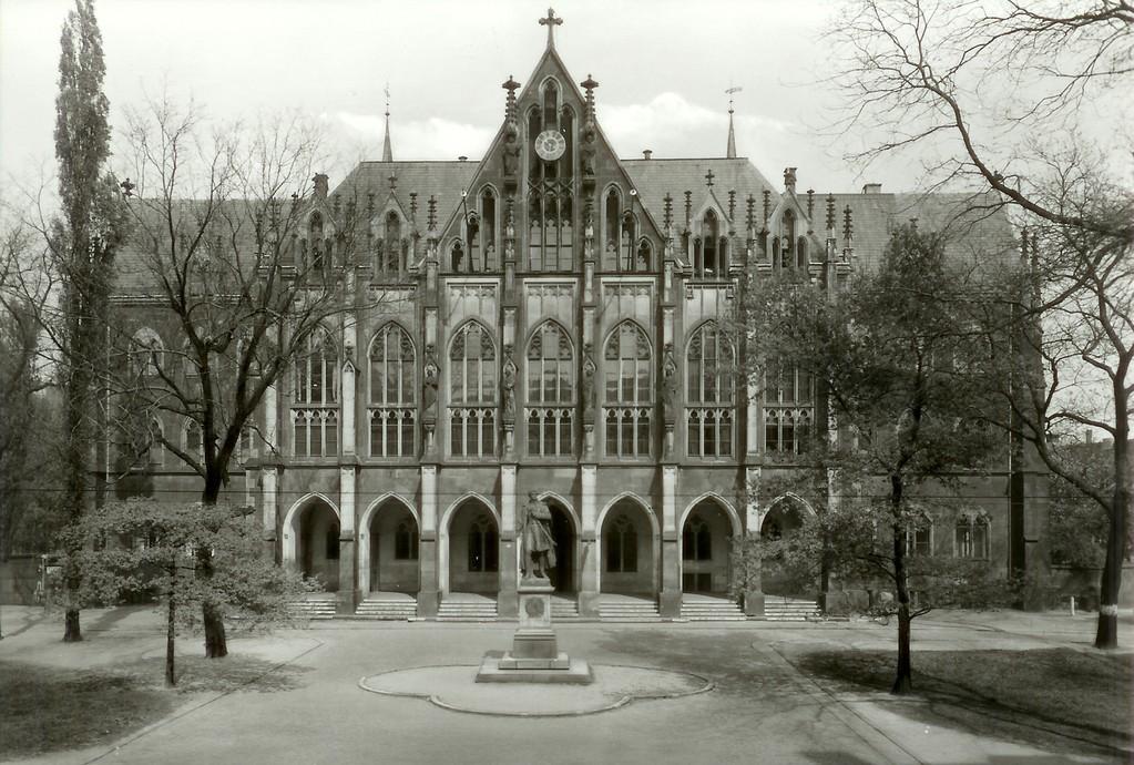 Dresden - Kreuzschule (1864-65 v. Fr. Arnold)