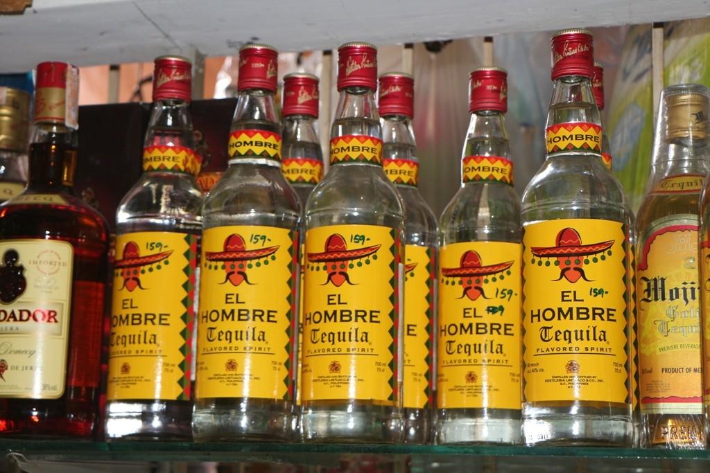 Auch hier ist der Beweis, für nur 159,- PHP (ca. 3,15 € zu unserer Zeit) die 0,7 Ltr. Bottle könnte man glatt zum Alkoholiker werden!