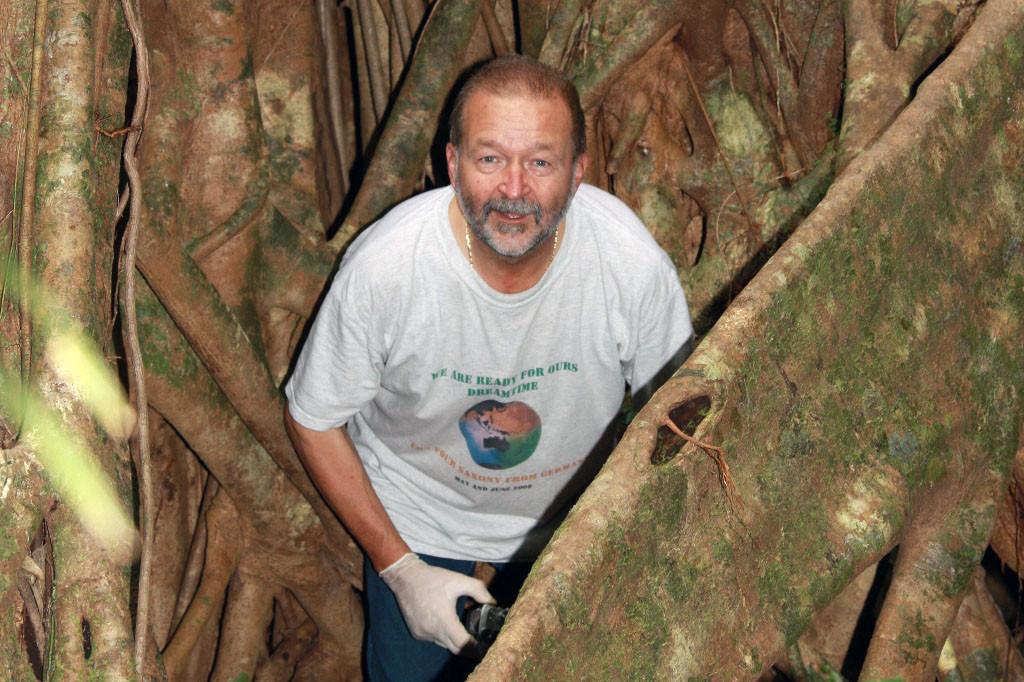 Ich im Wurzelgewirr einer Big Fig Tree!