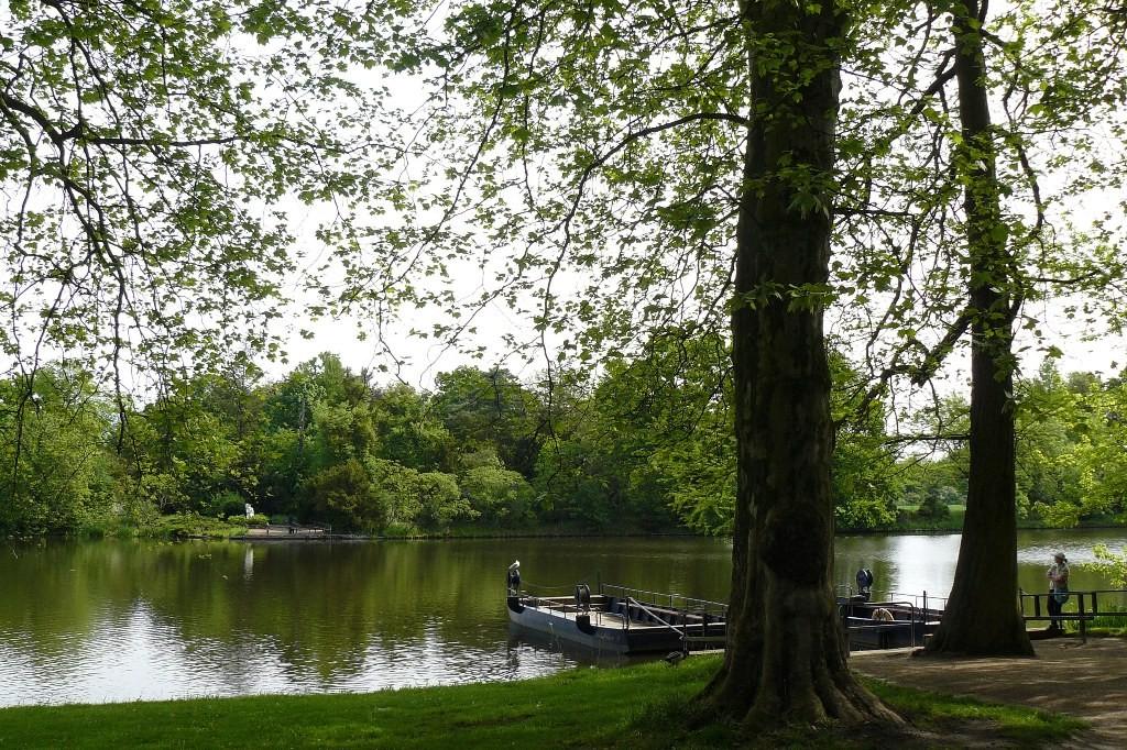 Fähre vom Neumarksgarten zur Roseninsel