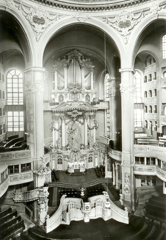 Dresden - in der Frauenkirche, Altar