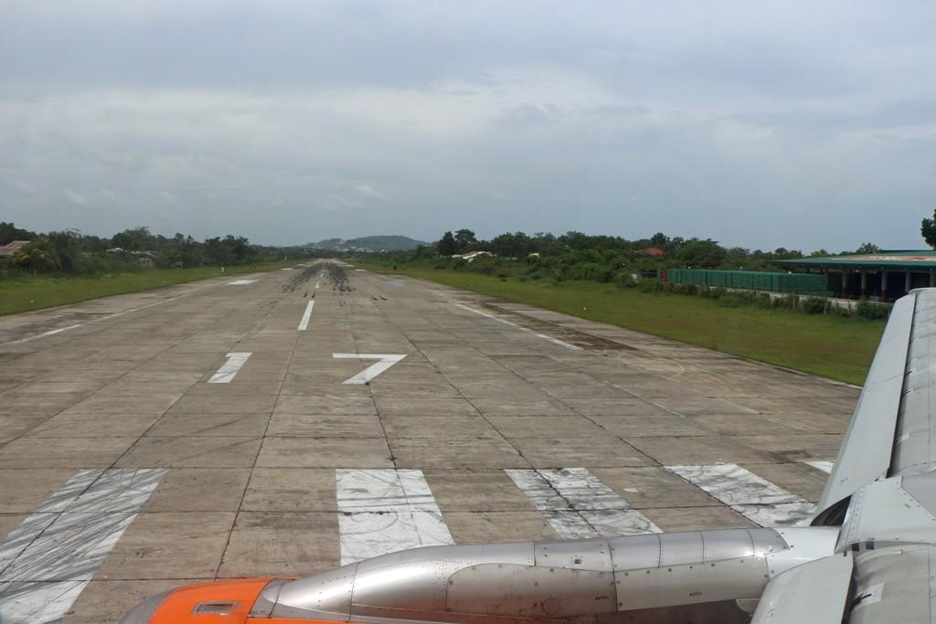 ...endlich, wir sind am vorletzten Etappenziel in Tagbilaran, ein richtiger Provinz Airport