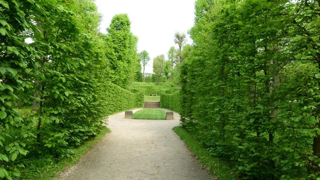 Fühling in den Nischen des Barockgartens