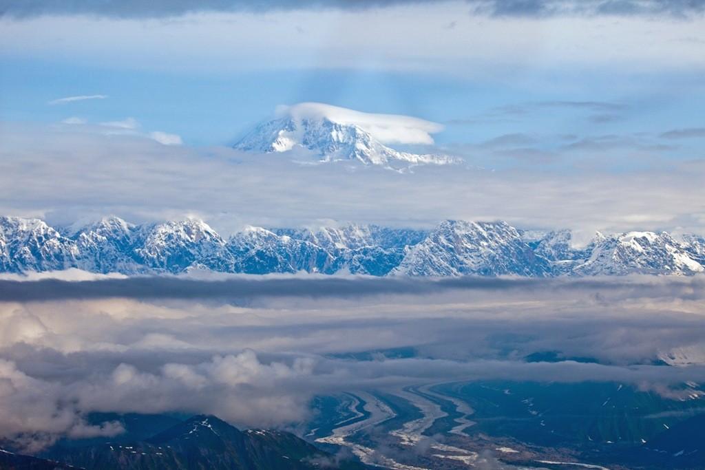 So sieht er (der Denali) aus ca.15 Km und aus einer Höhe von 2000 m aus