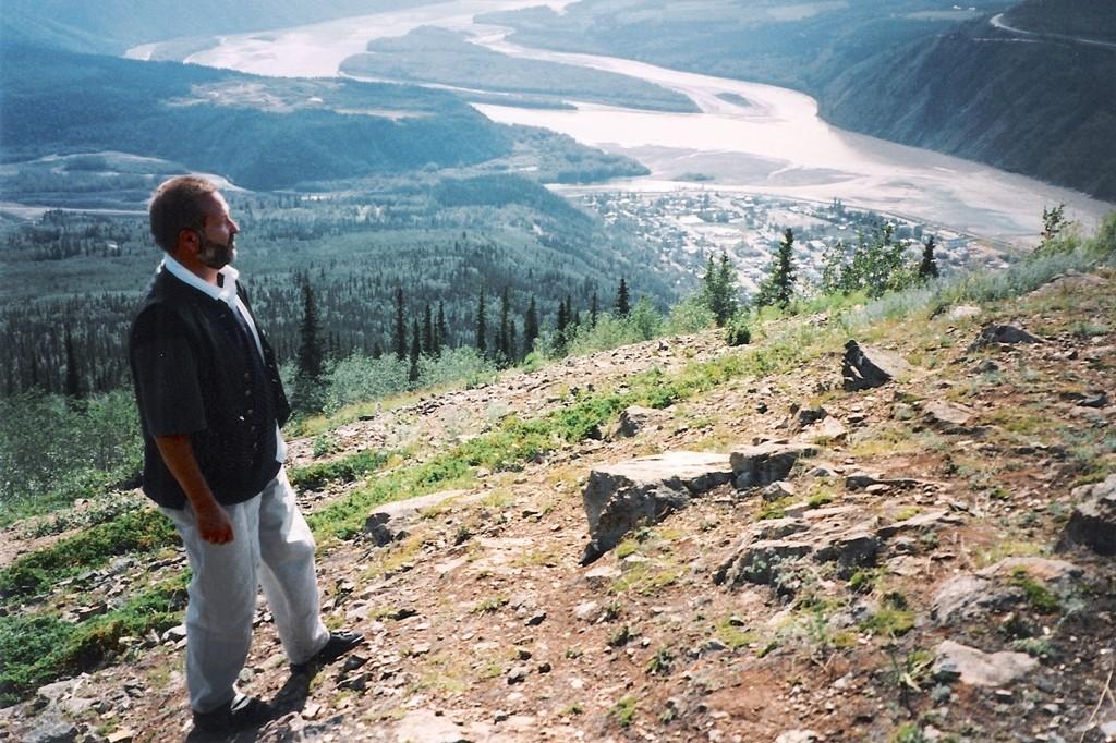 So sieht Dawson City vom Midnight Dome aus