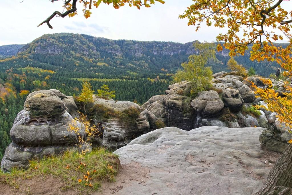 ...die faszinierende Kulisse des Elbsandsteingebirges