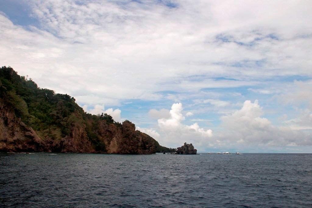...vor der Westküste Apo Island!
