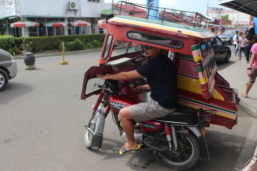 Die Tricycles warten auf Fahrgäste!