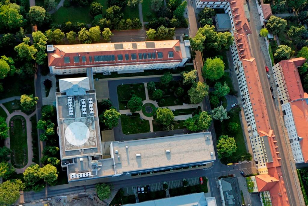 Städtisches Klinikum Dresden Friedichstadt wurde am 27. November 1849 eröffnet. Hier Station H Notfallmedizin mit Heli Landeplatz