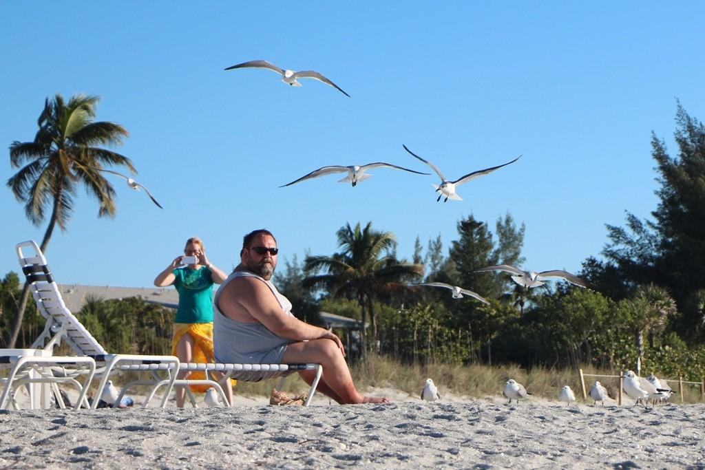Udo während der Mövenfütterung (Gull feeding), ihm macht es Spaß