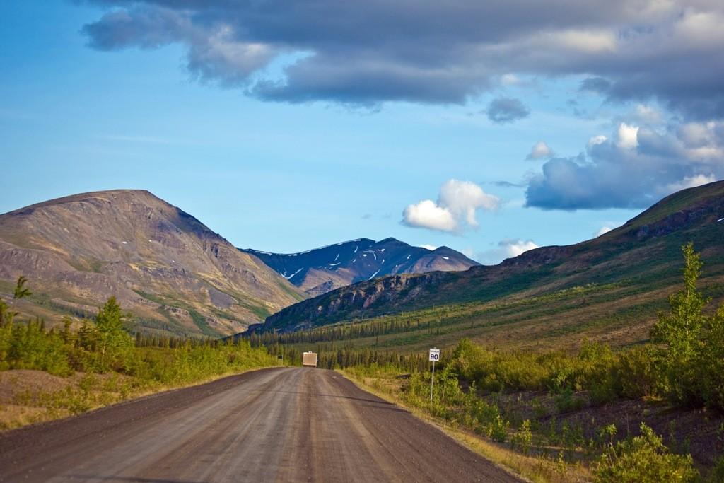 Noch ganze 40 Km (hier North Klondike cRange) und wir sind wieder am Ausgangspunkt, der Kreuzung zum Klondike HWY