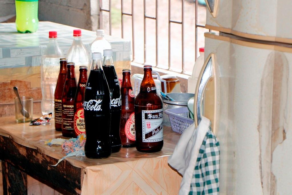 """Die """"Küche"""" in Angelita´s Restrobar, bei der es viel zu kaufen gibt!"""