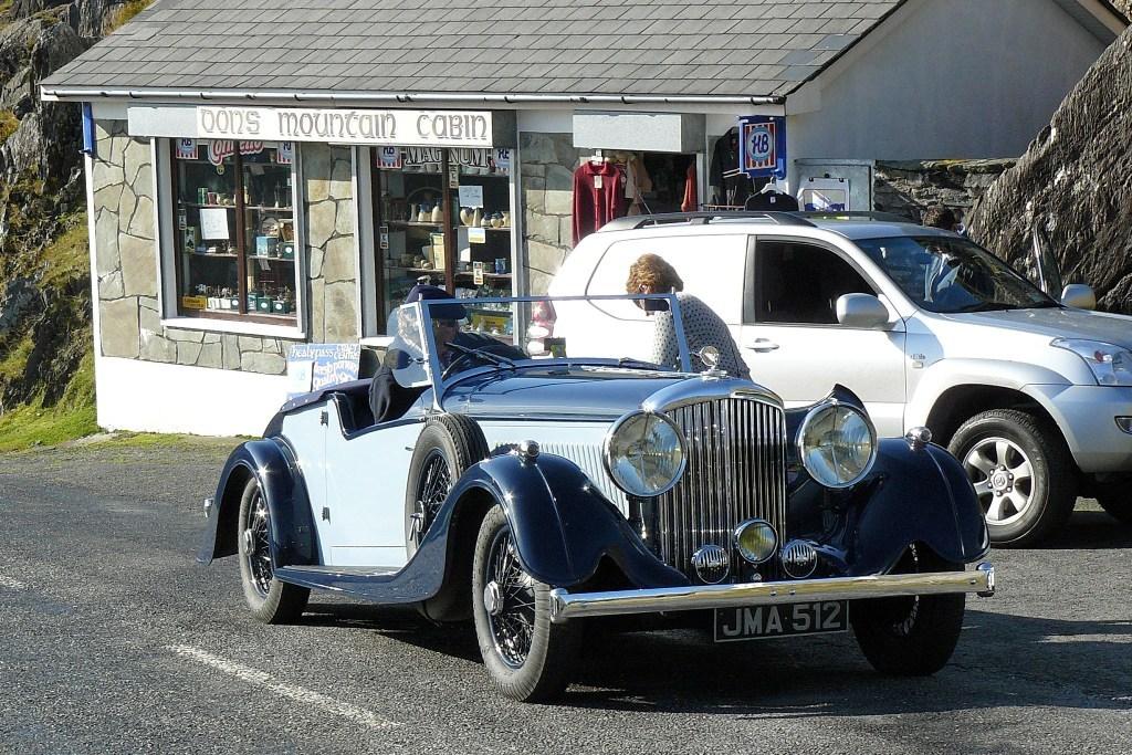 Ein englischer Oldtimer am Healy Pass