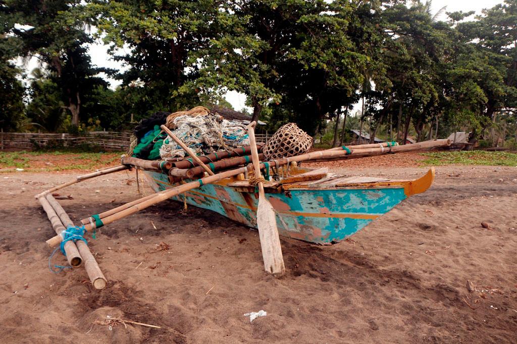 ...ein Fischerboot mit den arttypischen Auslegern