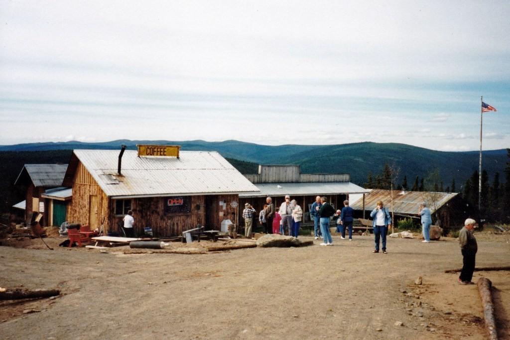 Roadhouse in Boundary, erste Gelegenheit für ein Käffchen!