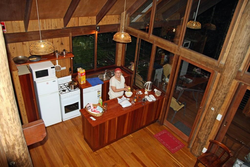 Blick von der Galerie in den großen Wohnraum inkl. Küche!