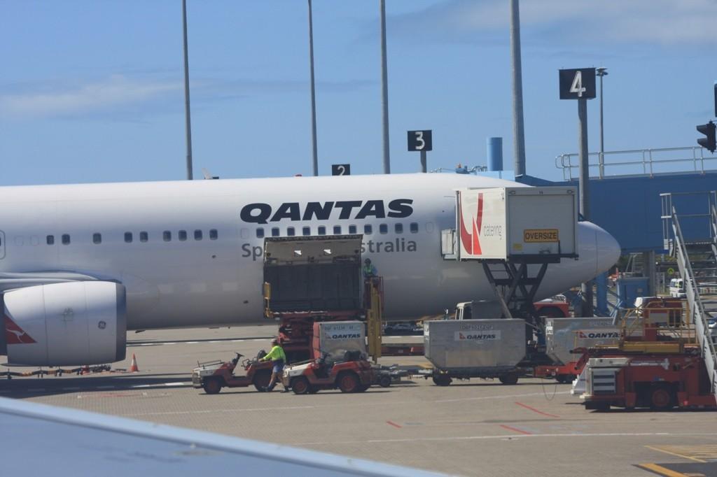 Kurz vor dem Abflug in Cairns, der uns über Darwin nach Singapur bringt.