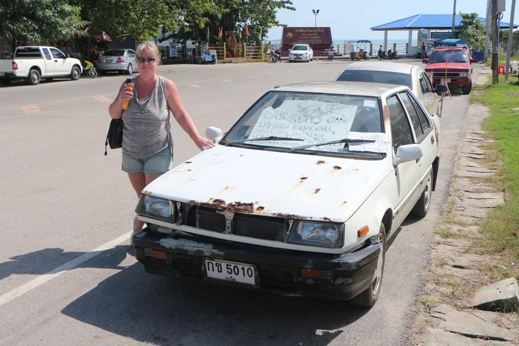 Hier in Rawai Beach wird dieses schnuckelige Gefährt zum Verkauf angeboten, ein Schnäppchen? für immerhin noch ca.1.000 €!