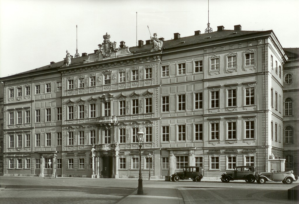 Dresden - Taschenbergpalais (1707-1711)