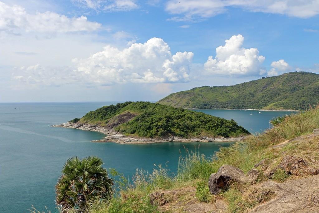Blick auf Koh Man, die kleine vorgelagerte Insel am südlichsten Punkt Phuket´s!