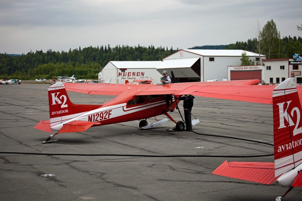 Mit der Fluggesellschaft K2 in Talkeetna und diesem Flieger N1292F sind unsere Reisefreunde um den Mt. Mc Kinley gekreist, ohne Gletscherausstieg! Es war nicht gerade günstig im Preis!