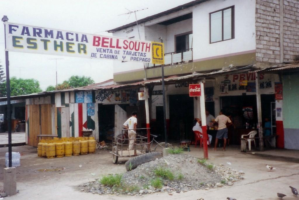 Raststätte und Wasserstation  in El Guabo an der Troncal de la Costa