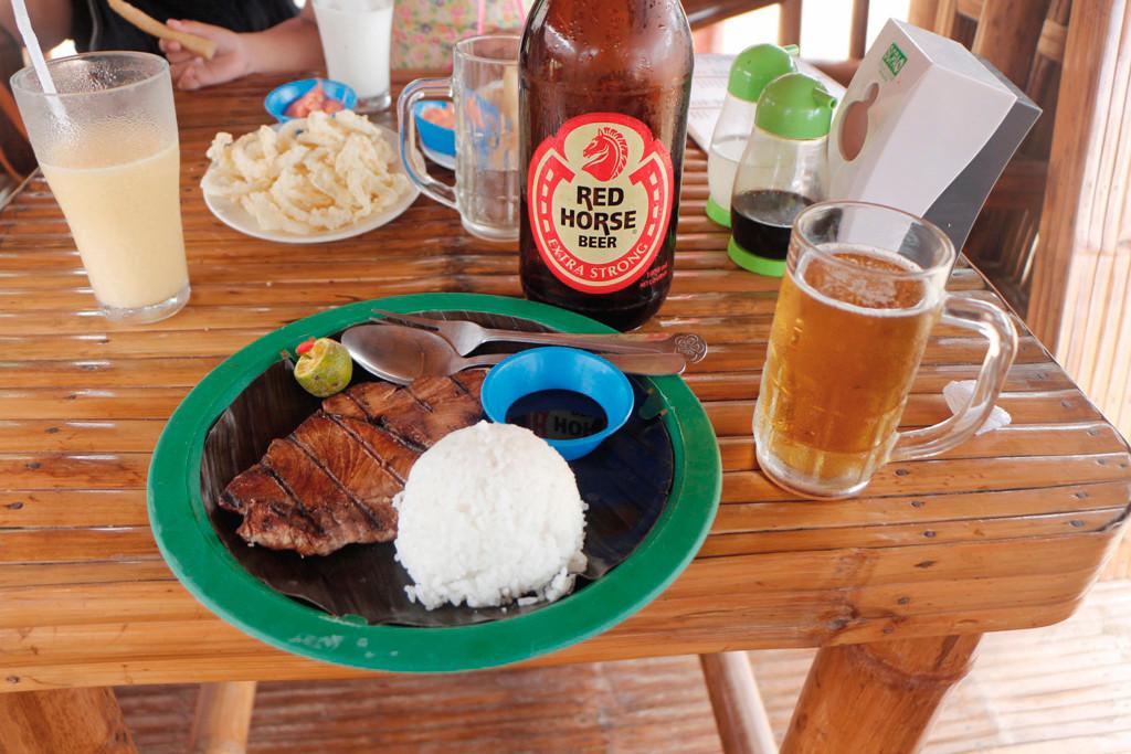 Für mich gibt es wie immer hier auf den Philippinen, Bangus mit Reis und spezieller Sojasoße
