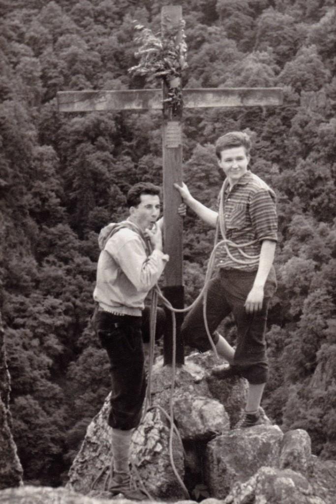 Auf dem Roßtrappenfels (Harz) 1962 mit Klaus