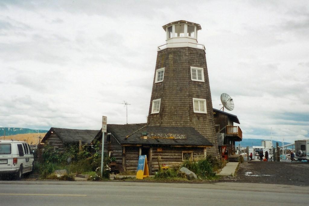 Homer Spit an der Kachemak Bay und der legendere Salty Dawg Saloon (1897)