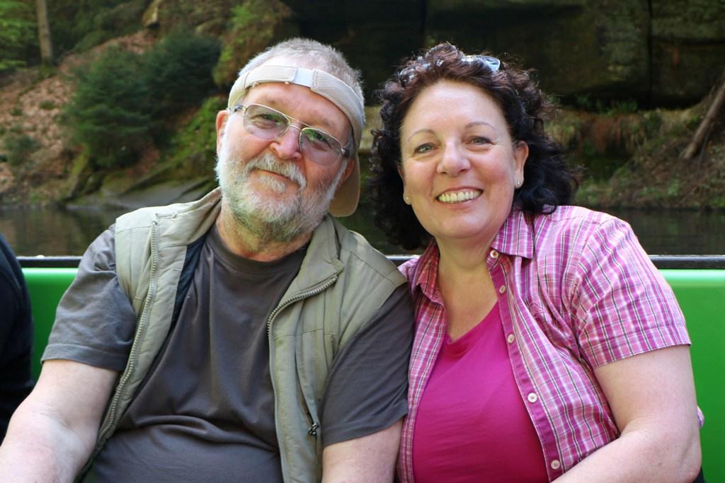 Rosa und ich als Erinnerungsfoto auf dem Kahn der Edmundsklamm