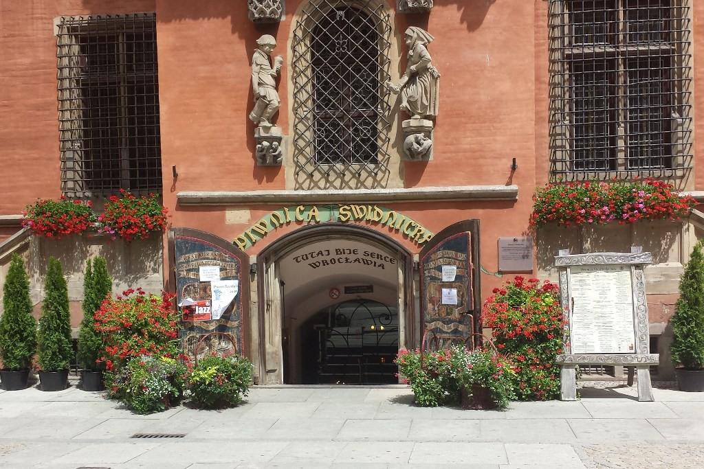 Das Eingangsportal des Schweidnitzer Keller´s, das älteste Restaurant Europas!