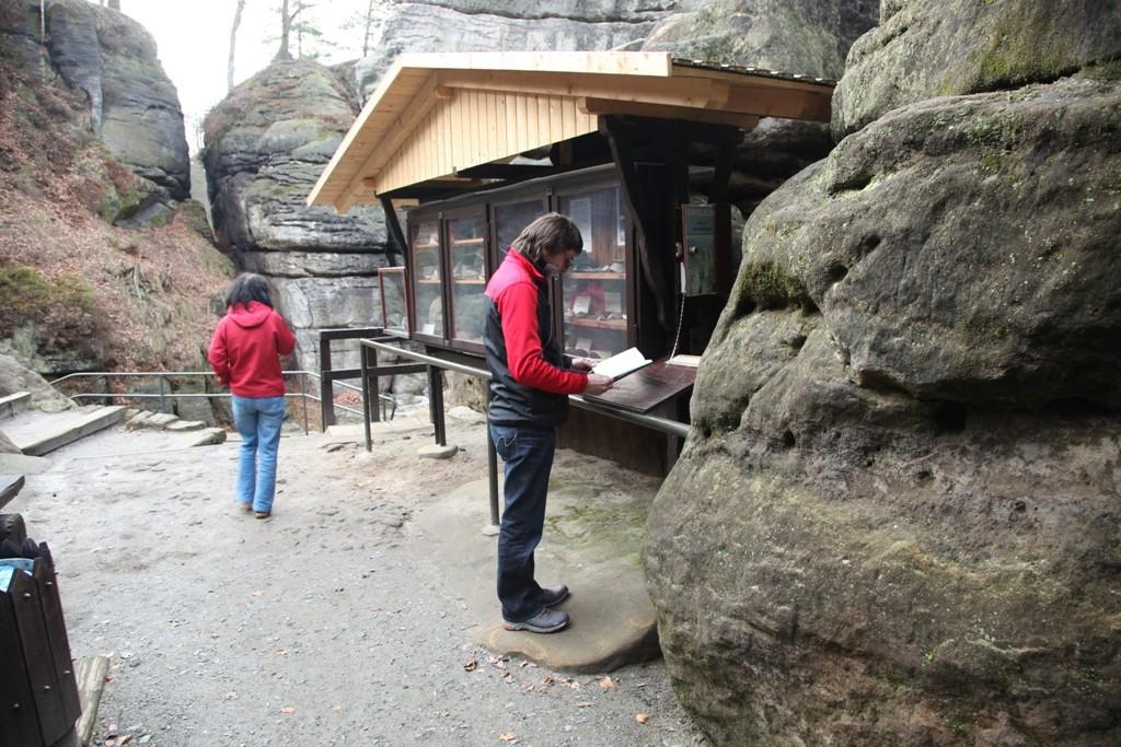 In der Felsenburg Neuraten gibt es allerhand Wissenswertes...