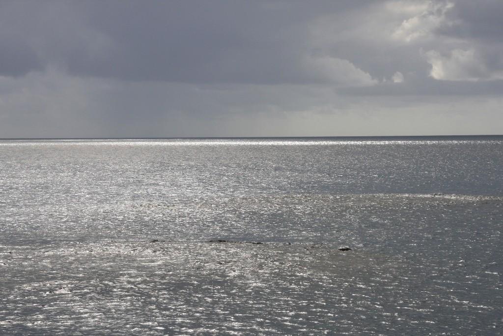 Ruhige See im Great Barrier Reef rings um die Plattform herum.