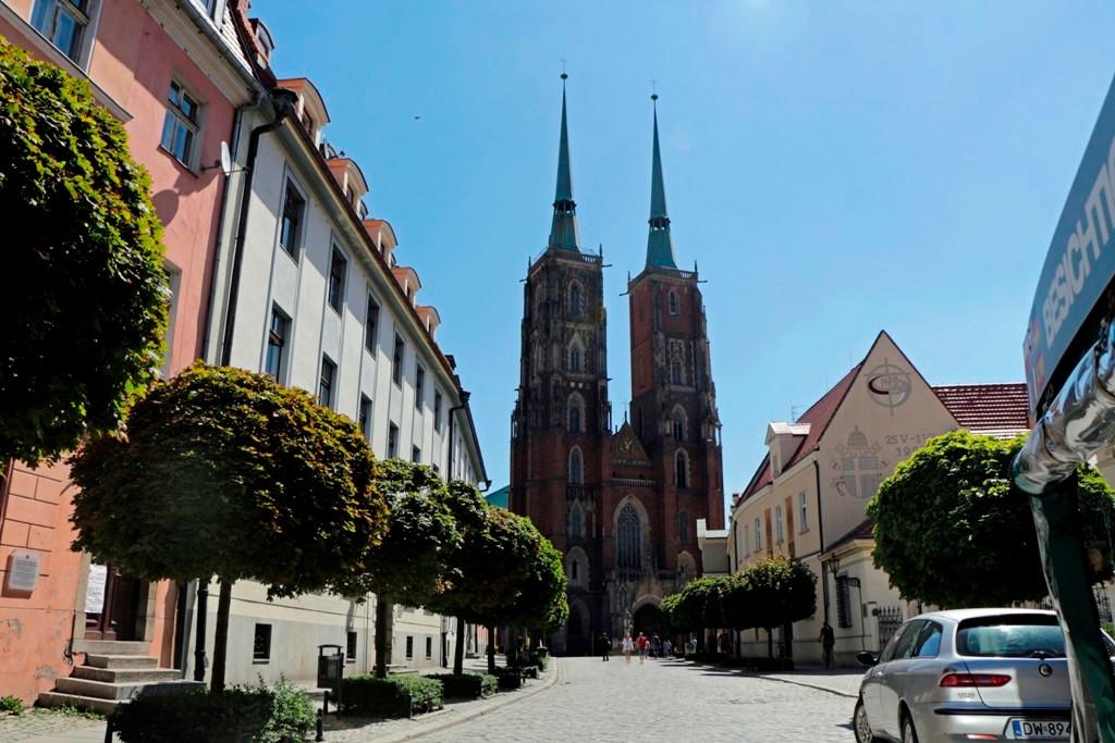Blick von der Domstraße auf den Breslauer Dom/Kathedrale St. Johannes des Täufers