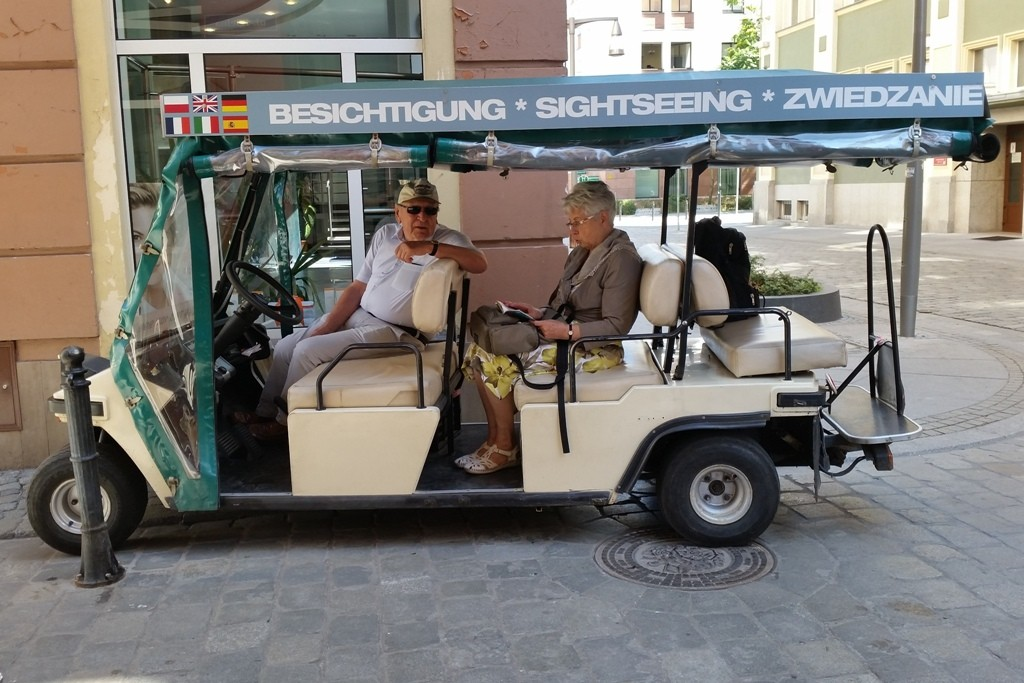 Unser gechartertes, elektrisch betriebenes Besichtigungsmobil!