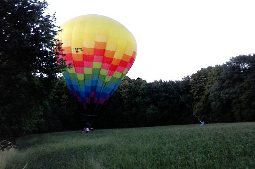 """Nach ca.12,5 km Luftlinie war das Abenteuer """"Ballonfahrt"""" auch schon wieder vorüber."""