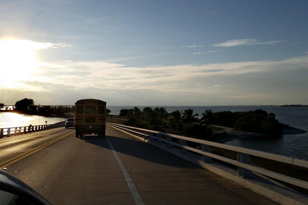 Jetzt fahren wir auf der Sanibel Causeway hinunter auf gleichnamigen Blvd. nach Sanibel Island