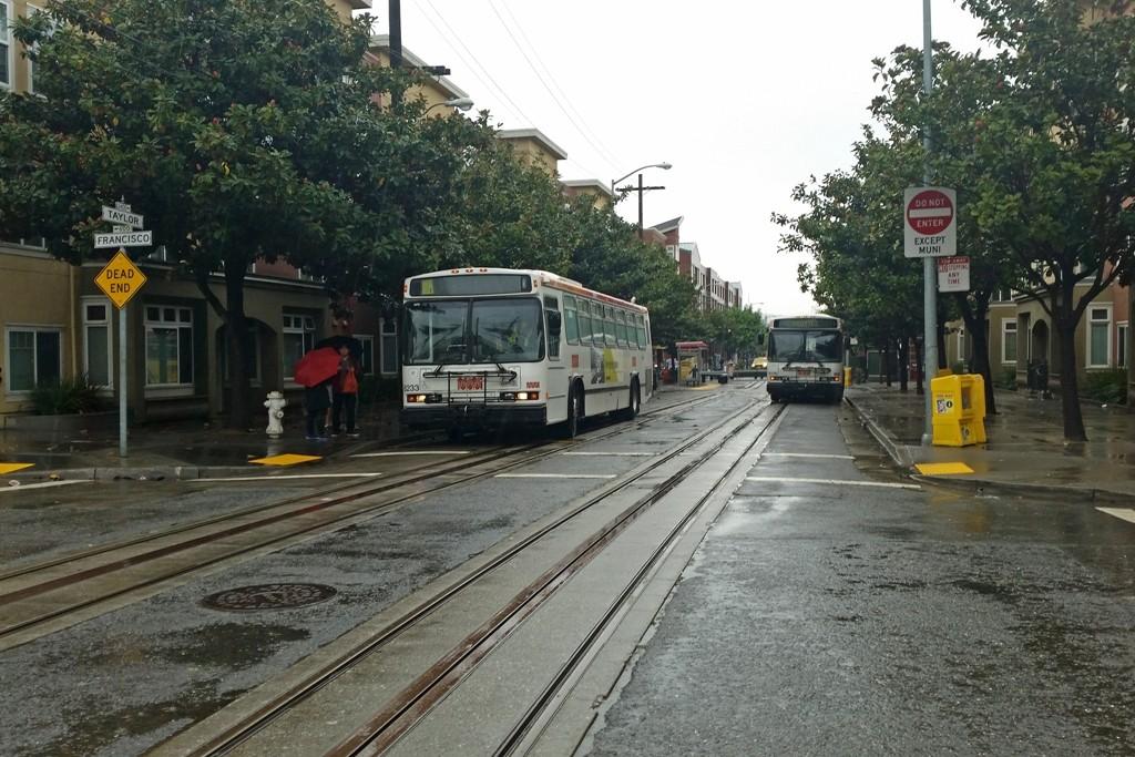 Statt den Cable Cars fahren Busse, das sei immer so, sagte man uns!