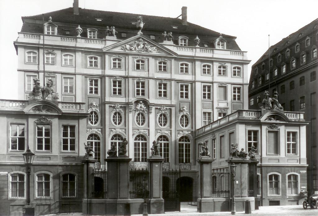 Dresden - Coselpalais neben Frauenkirche