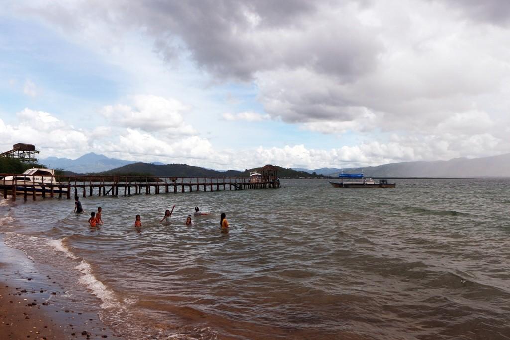 Kinder und Frauen beim baden in der North Bais Bay an der Sand Bar