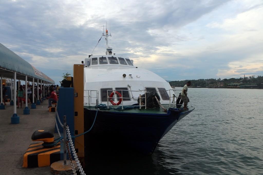 Unser Schnellboot erwartet uns zur letzten Etappe nach Dumaguete