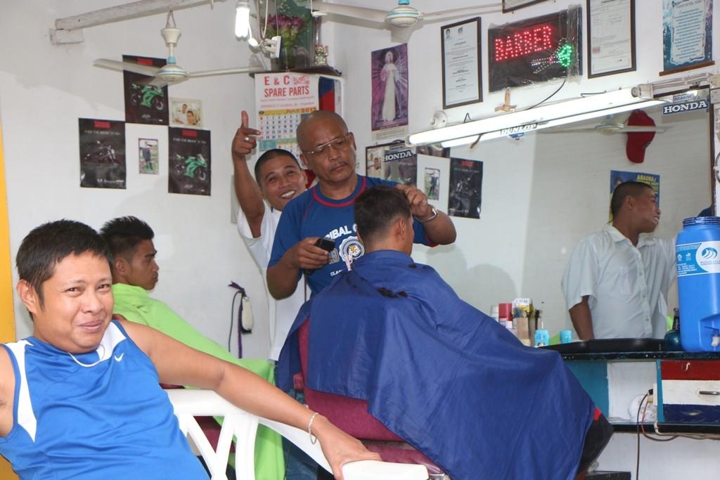 Einer der Barbiere von Sevill..!, halt nein, von Dauin wollte ich sagen!