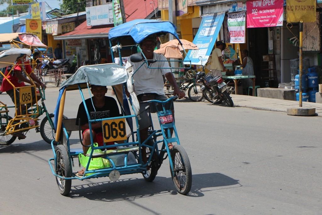Die mit zwei BS betriebenen Tricycles sind in Santa Catalina an der Tagesordnung