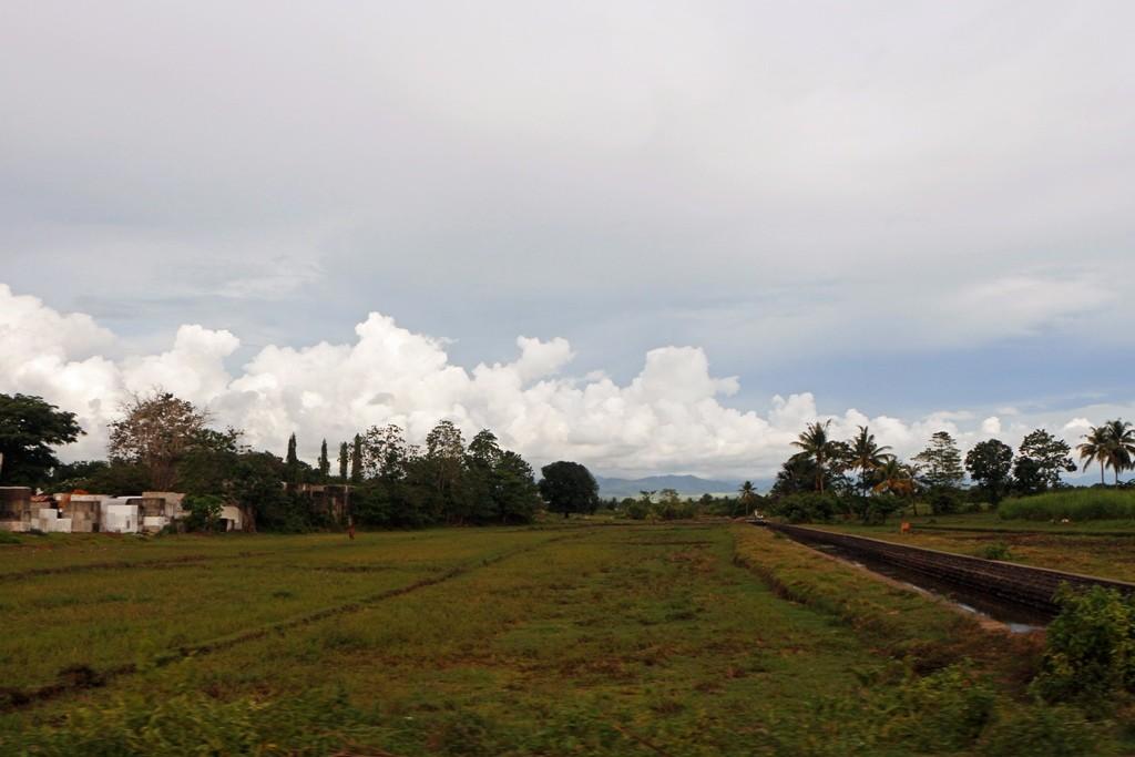 Wir fahren wieder in südlicher Richtung, durch Bais City in Richtung Tanjay...