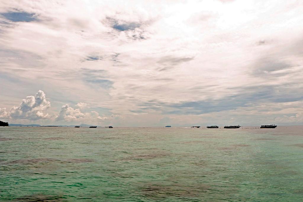 Auch bei nicht idealen Wetter ist die klare, türkisfarbene See gut zu erkennen.