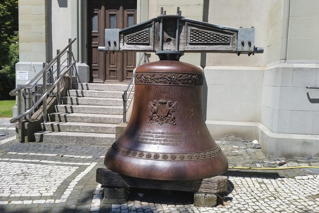 Die Freiheitsglocke mit dem Badischen Wappen