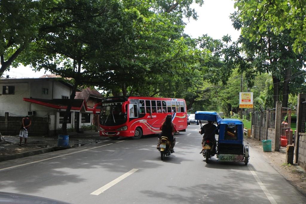 Auf der Natalio Bacalso Avenue oder eben einfach auf der Cebu South Road