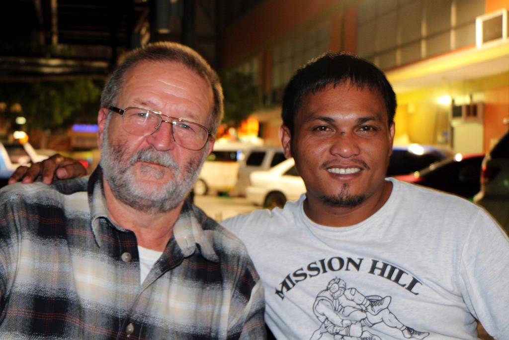 Ich trank ein San Miguel Bier, unser freundlicher Taxidriver eine Cock