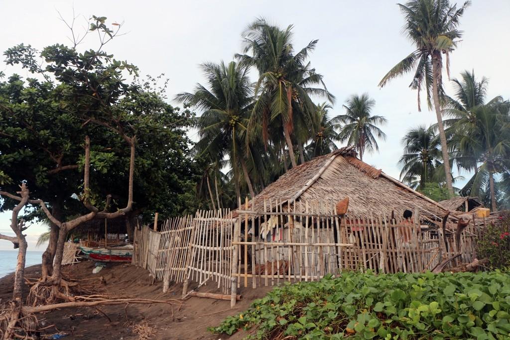 ...viele typische Fischerhütten säumen Teile des Strandes