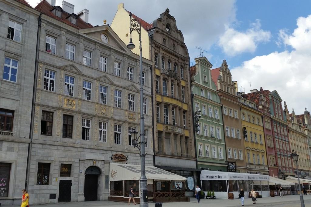 Gediegene Bürgerhäuser verschiedenster Epochen rings um den Rynek
